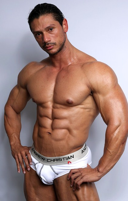 Nino Sabrini at the all new LiveMuscleShow!
