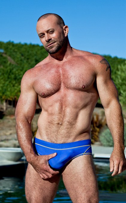 Hot Muscular Hunks with Big Bulges - Gallery 3